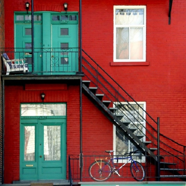 Façades colorées du quartier du Plateau à Montréal
